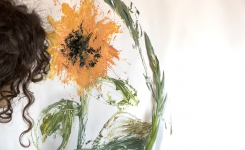 Painting flowers by using flowers – experimental painting